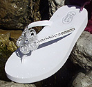Comfortable flip flops for brides and weddings